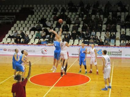 Дунав победи и Черноморец 2014 в Русе