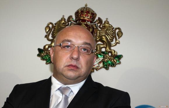 Красен Кралев обвини футболистите за провала на България