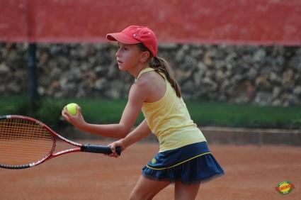 """Тенисистите на """"Изида"""" с прогрес в ранглистите"""