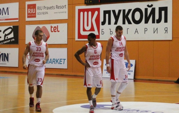 Лукойл отнесе Черноморец за 7 от 7