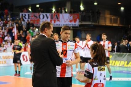 Ники Пенчев с 11 точки и MVP! Ресовия с лесна победа в Полша