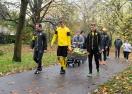 Дортмунд се смеси с хората в лондонски парк (снимки)