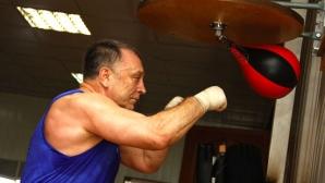 Руски журналист предизвика Мики Рурк на боксов мач