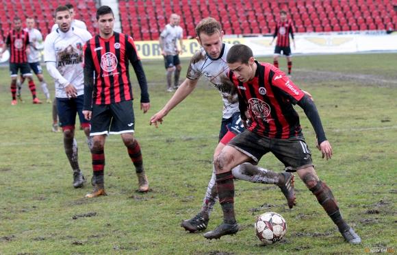 Двама от Локо (Сф) отказали на Левски