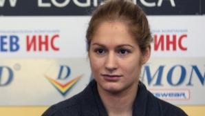 Габриела Стоева и Стефани Стоева се класираха на 1/4-финал в Анкара