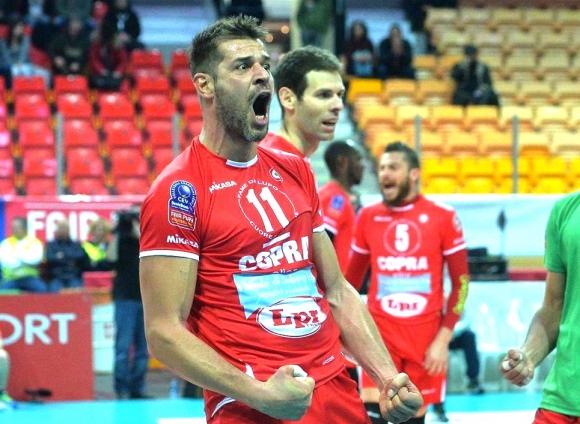 Христо Златанов заби 27 точки, но Пиаченца падна от Падуа с 2:3 (видео)