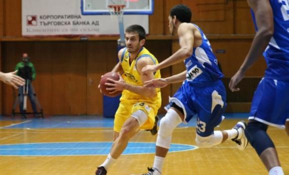 Станимир Маринов разпиля родния си отбор за победа на Черно море