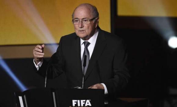 Блатер официално подаде кандидатурата си за президент на ФИФА