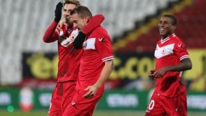 ЦСКА остана без четвърти централни защитник - голмайсторът на тима също се контузи (видео)