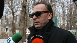 Венци Живков изригна: Томов и Тодоров - малоумник и психично болен