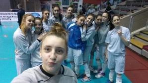 Три волейболистки се присъединяват към лагера на девойките в София