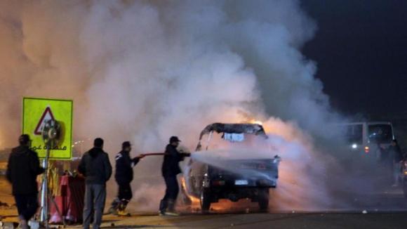 Трагедия: Десетки убити при сблъсъци между фенове и полиция в Египет...