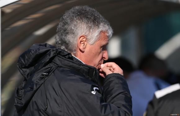 Любимец на Стойчо Младенов вбеси треньора на Славия със спорна дузпа и измислен червен картон