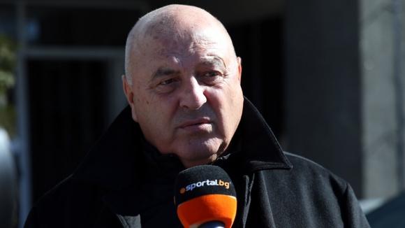 Венци Стефанов бесен от тесла във Варна: Всички ще си платят