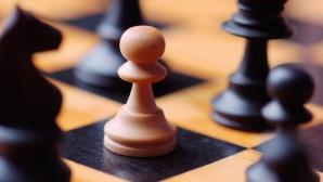 Петров и Васова шампиони по шахмат за юноши и девойки