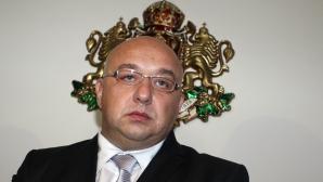 Боян Петров получи парична премия от ММС