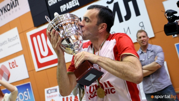 Тодор Стойков на 38!