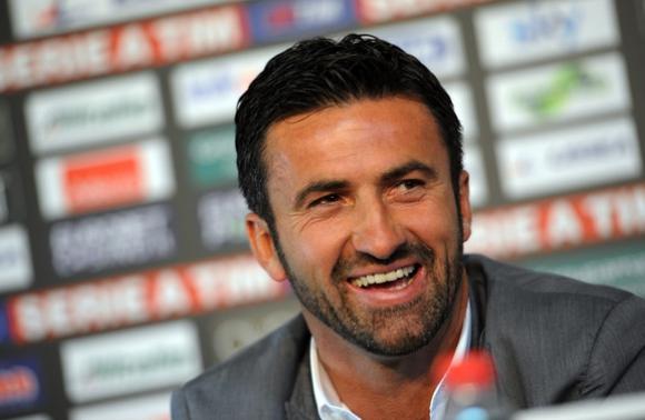 Легендарен защитник стана треньор на Гълъбинов