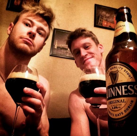 Иван Зайцев и Максуел Холт също отпразнуваха с бира Свети Петрик