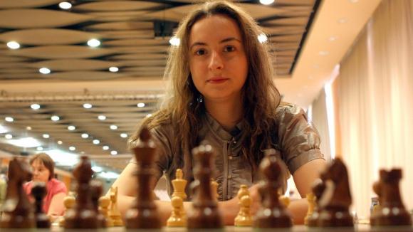 Антоанета Стефанова продължава напред на световното