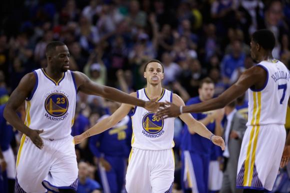 Голдън Стейт победи Атланта в дербито на лидерите в НБА