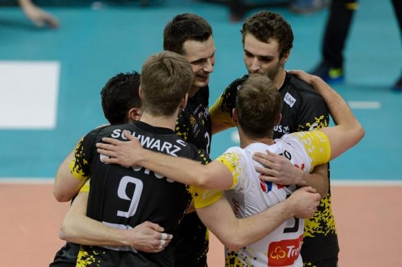 Лотос (Гданск) пак удари СКРА с 3:0 в Белхатов и поведе с 2-1 победи в полуфинала (ГАЛЕРИЯ)