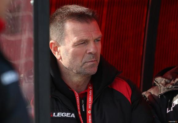 Стойчо Младенов пак хвърля оставка?