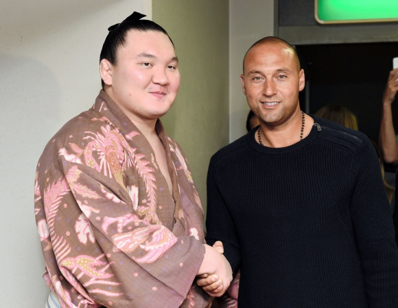 Дерек Джитър се запозна с йокозуна Хакухо