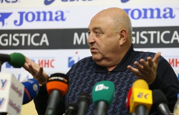 Стефанов: Славия не може да има проблеми с лиценза