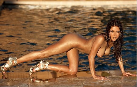 Ариани Селест отново краси Playboy!
