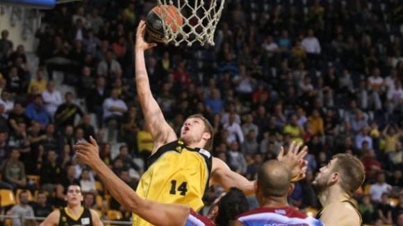 Везенков пак изведе Арис до победа в Гърция