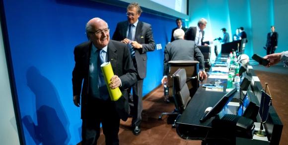 Блатер е изправен пред сериозно предизвикателство на конгреса на УЕФА