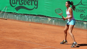 Шиникова се размина с титлата на двойки в Тунис