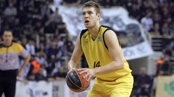 Везенков избира Панатинайкос пред НБА