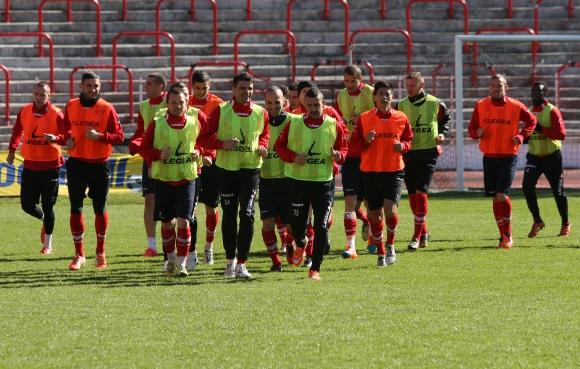 Йоахим и Соарес подновиха тренировки с ЦСКА (видео)