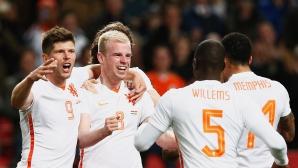"""Холандия пак напляска Испания - две """"лалета"""" в градинката на Ла Роха (видео + галерия)"""