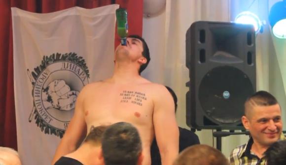 Пиянството на един шампион (видео)