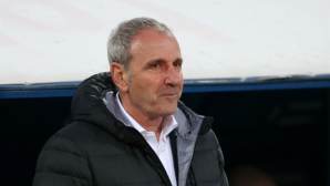Никола Спасов остава треньор на Черно море
