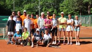 Пол Макнами ще проведе лагер с талантливи български тенисисти