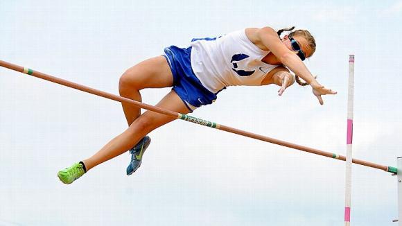 Сляпа атлетка сбъдна мечтата си и спечели медал в овчарския скок