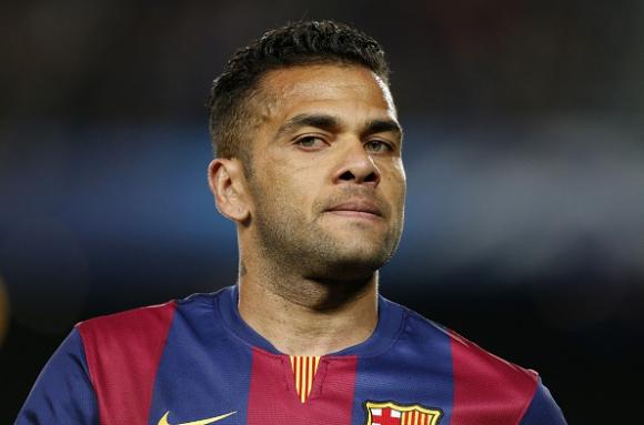 Последно: Дани Алвеш си тръгва от Барселона