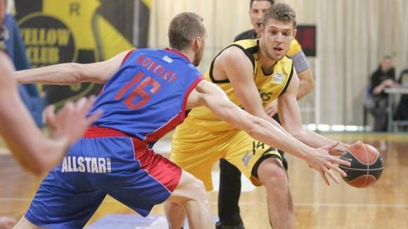 Алекс Везенков: Още не съм готов за НБА