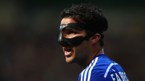 Фабрегас ще претърпи операция на носа