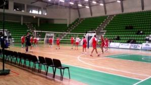 Волейболистите тренират без Владо Николов