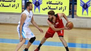 Махрам спря Виденов и Азад в Иран