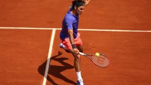 Федерер върви убедително напред в Париж