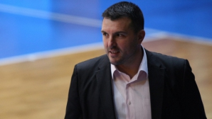 Дечо Коешинов събра 13 момичета за старта на подготовката за европейското