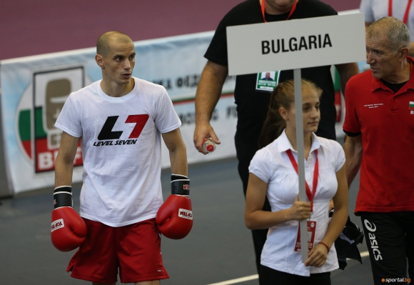 Александров и Генов готови за битките в AIBA Pro Boxing-сериите