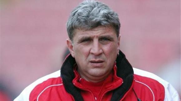 Бащата на Вальо Илиев избухна: В ЦСКА има много проститутки