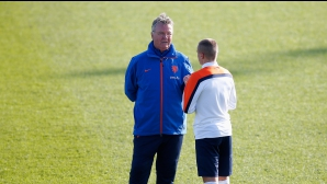 Хидинк вече не е треньор на Холандия, твърди местен вестник